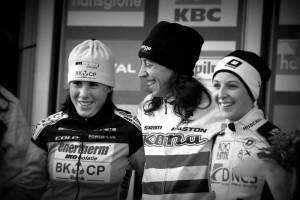 Sanne Cant (Left) and Helen Wyman (Center) Photo: Ladies on Wheel facebook.com/ladyson.wheels